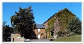 Das Bauernhaus wurde luxuriös mit authentischen Elementen renoviert.