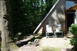 Lekker zitten voor de bungalow
