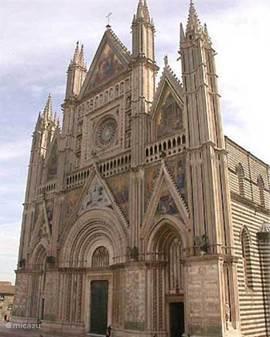 Kathedraal van Orvieto (circa 40 km)