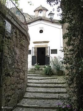 Sorano, kleine kerk in onze buurt.