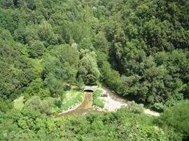 Uitzicht op rivier Lente, richting Via Cava.
