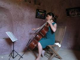 Sorano, feest in volkstuin met kunst en klassieke muziek.