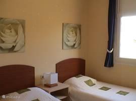 2e slaapkamer, 2 bedden