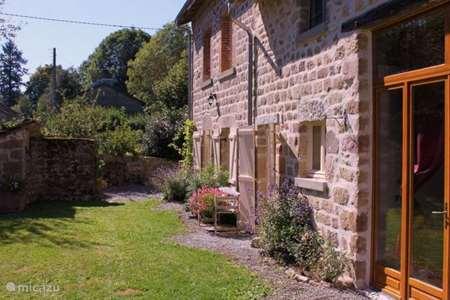 Vacation rental France, Creuse, Gibouleaux farmhouse La Colline Gibouleaux