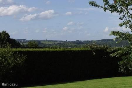 panorama vanuit de tuin