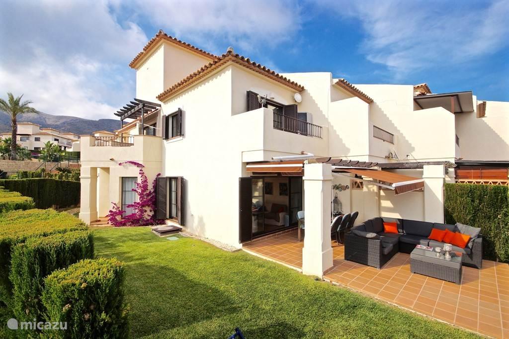 Villa Alegria, Costa Blanca, Finestrat Spanje - Zijkant woning