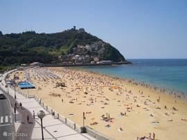 Strand Ondarreta op 200m loopafstand