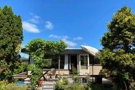 Vakantiehuis Nederland, Noord-Holland, Sint Maartensvlotbrug - bungalow Pondok Sonang