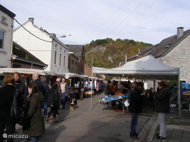 Sunday market in Bomal