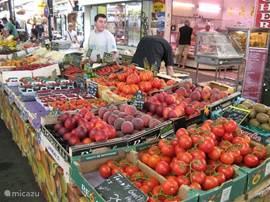 De zondagmarkt in Bomal