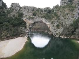 de Pont dArc met zijn leuke strandjes