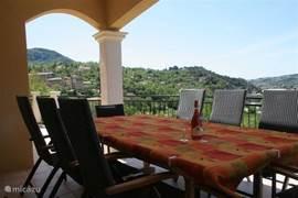 prachtig panorama vanop overdekte terrassen