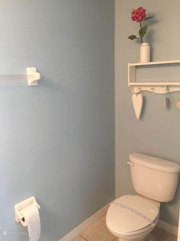 Toilet beneden aanwezig