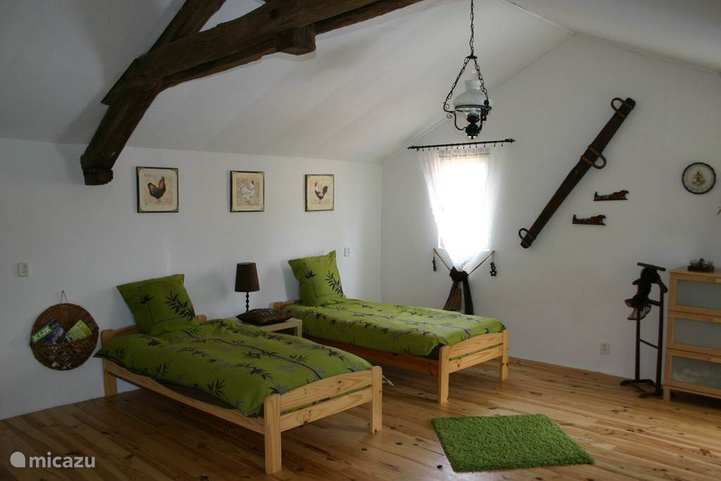 Buitenhuis, is therefore separate from the main house, this house is to be used in consultation, it offers 2 additional beds.