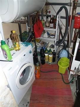 Bijkeuken met Boiler, Wasmachine en CV