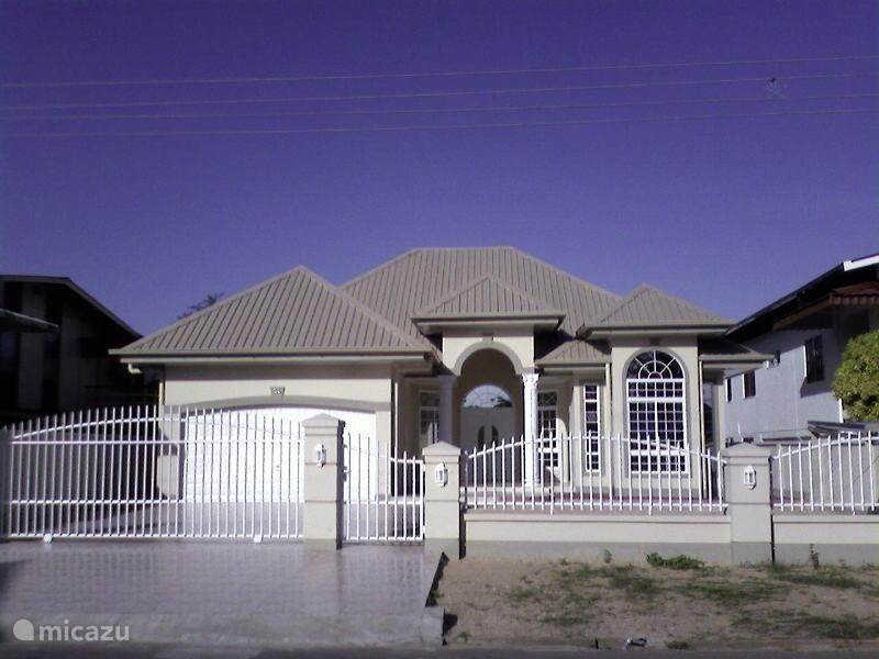 Vakantiehuis Suriname, Paramaribo, Paramaribo Villa Villa Zonnehof