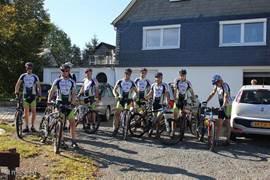 Op 30 september 2011 arriveerde een wielerploeg om een weekeinde in het Sauerland te fietsen. Ook het Sauerland beleefde toen een hele warme periode. Alle fietsen en overige benodigdheden konden veilig worden opgeborgen in onze drie garages.