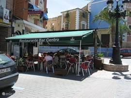 Er is voldoende horeca in Calasparra, waar je ook Europese maaltijden kunt verkrijgen op de voor Noord-Europezen gebruikelijke tijden .