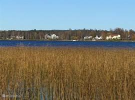 In de mooie herfst geeft Zweden en het Radameer prachtige kleursfeer. Mooie wandelroutes zijn er te lopen in de rust van het zweedse landschap.