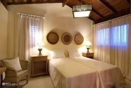 Slaapkamer eerste verdieping inclusief eigen badkamer!