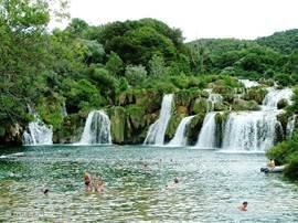 Zwemmen bij Krka-watervallen