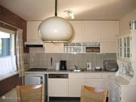 de lichte keuken