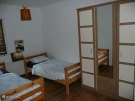 Children's bedroom (3 beds)