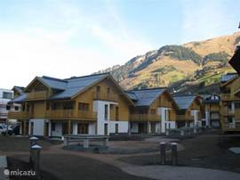 Beautiful apartment situated in the pleasant village of Rauris, surrounded by beautiful nature in the Nat. Hohe Tauern. The luxury apartment (71 m2) is on the ground floor has 3 bedrooms, 1 nursery, and 2 bathrooms.