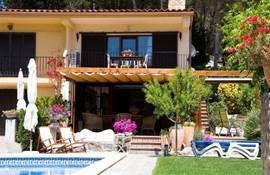 Terrassen met schuifschermen