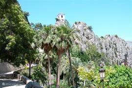 Vanuit Guadaleste kunt u nog net Altea zien liggen.