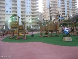 Veilige kinderspeelplaats op het park