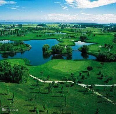 18 hole Golf Courses