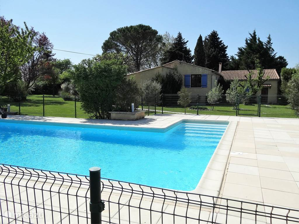 Luxury villa for 10 people with private pool located in a park-like landscaped garden. The swimming pool is about 20 meters from the villa