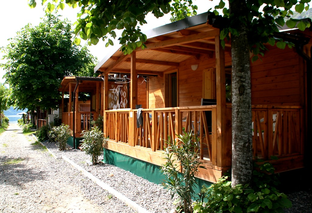 EARLY BIRD DISCOUNT AT LAZY LUGANO  CHALETS in the Italian sun next to the Lugano Lake.   Interested ?  LAZY LUGANO