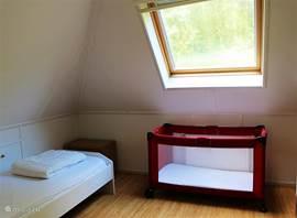 2de slaapkamer met 2x eenpersoonsbedden.