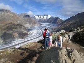 Aletschgletscher makkelijk bereikbaar via gondel naar Eggishorn. Magnifiek uitzicht!