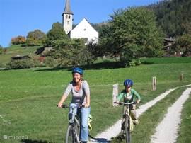 Moutainbiken voor alle niveau's zijn routes uitgezet. Ook leuk met kinderen bv langs het Rhonedal.