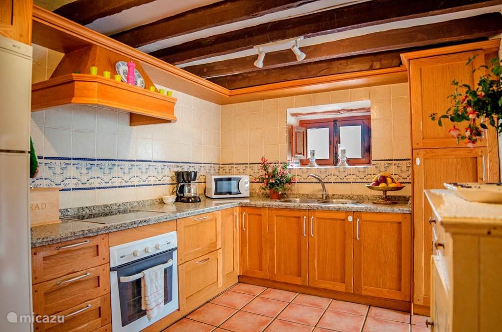 De keuken van de kleinere woning