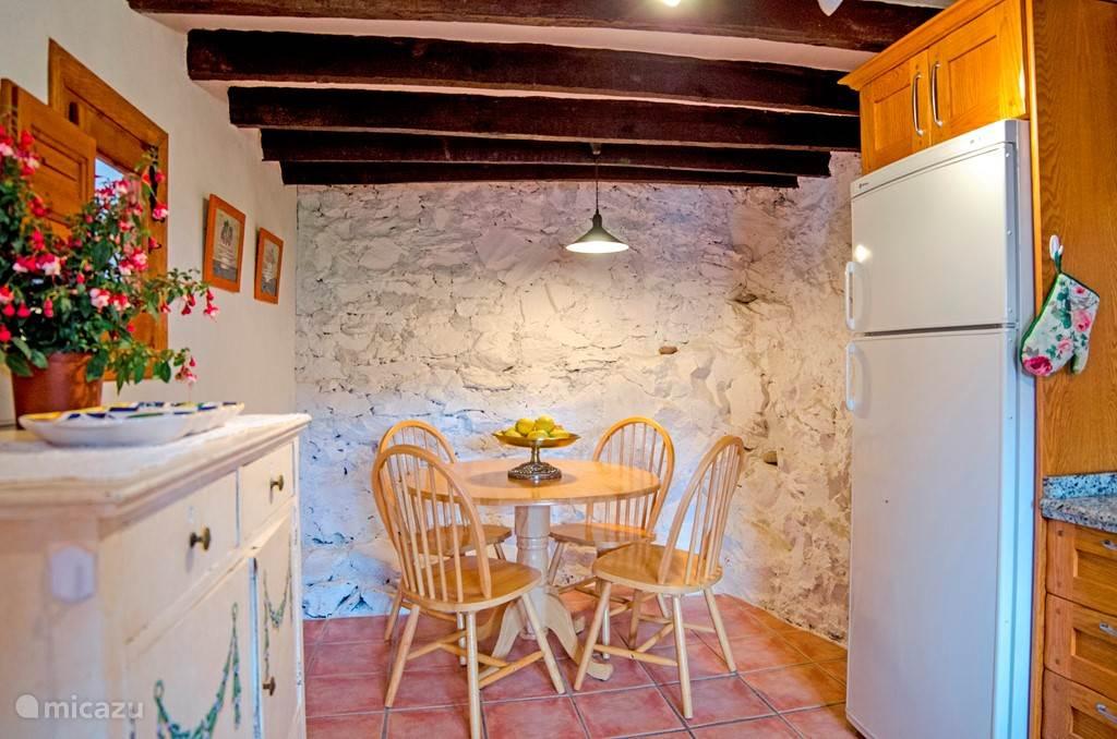 De keuken van de lagere woning