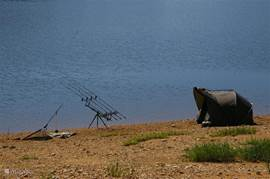 Karpervissen bij het Lac de Panneciere. Ook nachtvissen is her toegestaan!