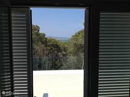 vanuit slaapkamer uitzicht