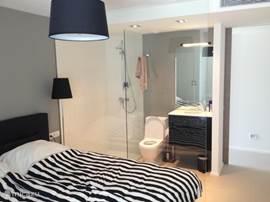 3 identieke slaapkamers met badkamer