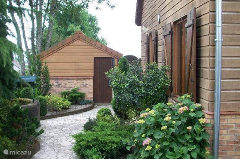 Vacation rental France, Allier, Louroux-Bourbonnais Chalet Petit Mathoniere