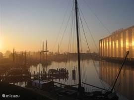 uitzicht zuidkant met scheepswerf De Vries