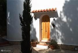 Casa Pieresa - binnenplaats met voordeur