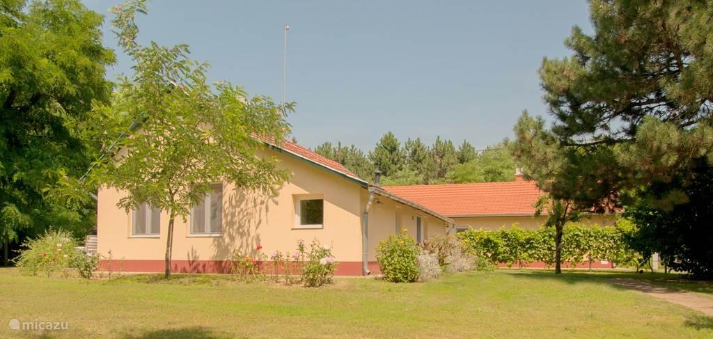 Vakantiehuis Hongarije, Bács-Kiskun – vakantiehuis Erzsébet en Nagymama tanya + zwembad