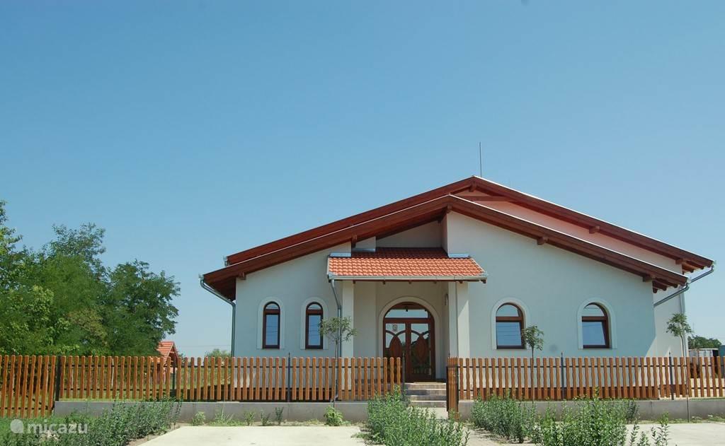 Dit is de wijnmakerij in Kunszállás.