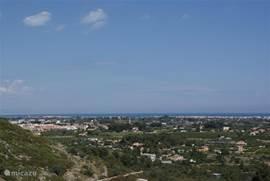 Uitzicht naar zee vanaf het overdekt terras