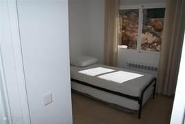 De 3e slaapkamer ook met 2 bedden van 90 centimeter bij 2 meter