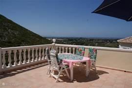 Eten op het terras met een geweldig uitzicht